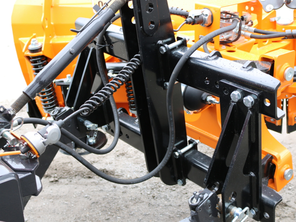 Bolted attachment brackets